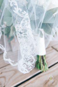 Bride Bouquet & Veil